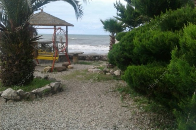 اجاره ویلای سه خوابه  استخردار ساحلی چالوس
