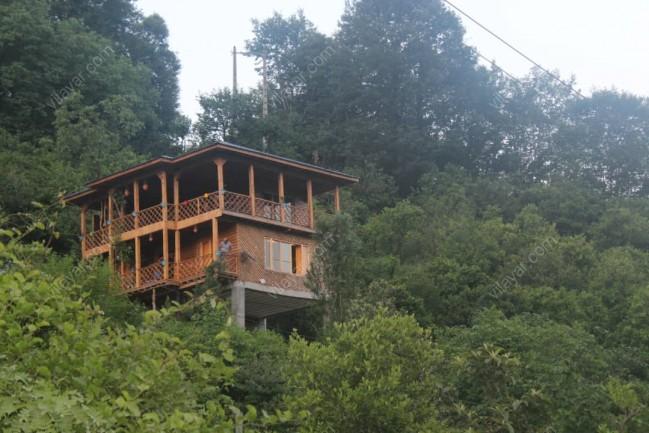اجاره ویلا چوبی استخردار در دل طبیعت