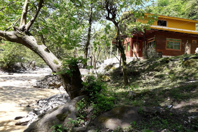 اجاره کلبه چوبی  لب رودخانه در اسالم