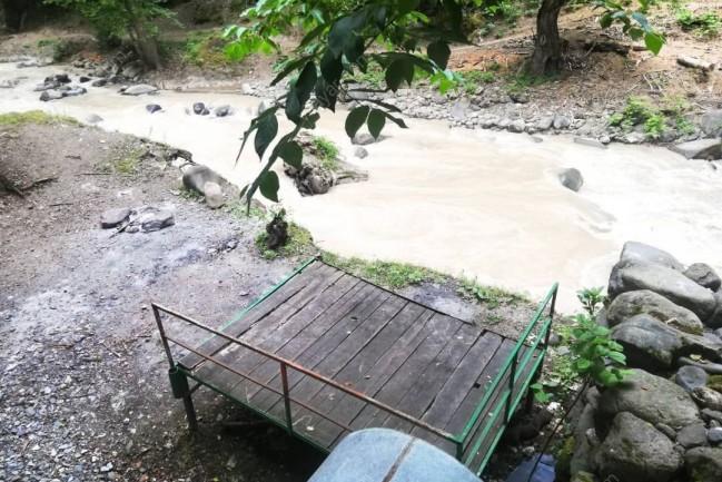 اجاره کلبه چوبی لب رودخانه در اسالم تالش