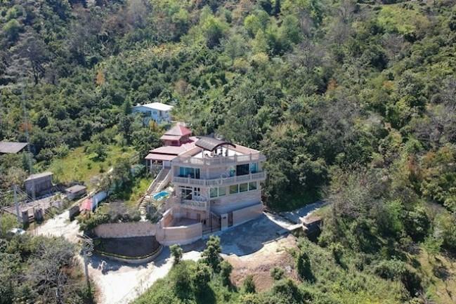اجاره ویلا جنگلی استخردار با چشمانداز ساحل