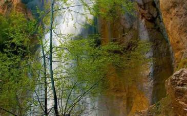 آبشار شاهان دشت لاریجان