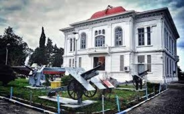 کاخ موزه نظامی انزلی