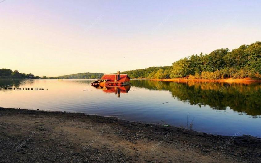 چرا باید دریاچه سقالکسار را ببینیم؟!