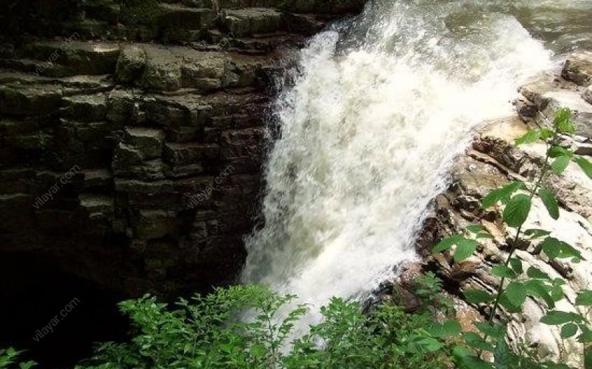 آیا تجربهی دیدن آبشار ویسادار را از نزدیک داشتهاید؟