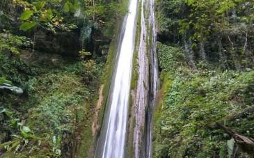 آبشار نجارده؛ آبشاری مرتفع در دل جنگل