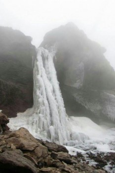 آبشار یخی، آبشاری شگفتانگیز در مازندران