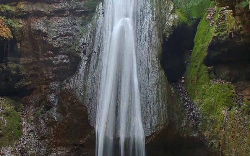 جاذبهی خاص آبشار سنگ نو کجاست؟