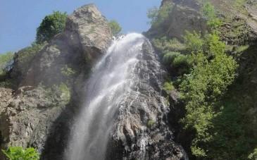 آبشار آکاپل، آبشاری با چشماندازی بکر در کلاردشت