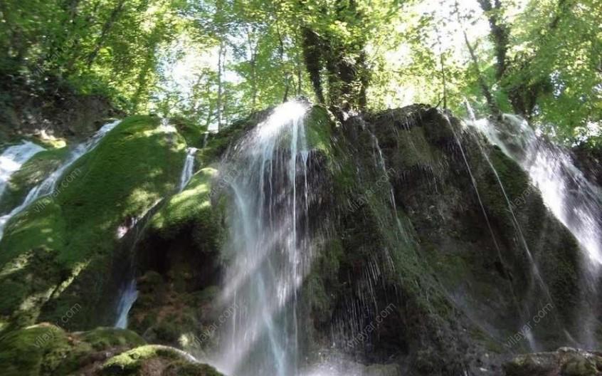 طبیعت زیبای آبشار هفت سنگ ساری (اوبن)