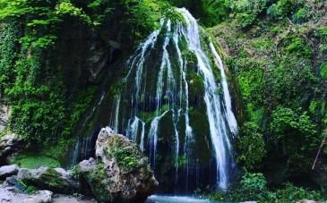 آبشار تمام خزهای کبودوال