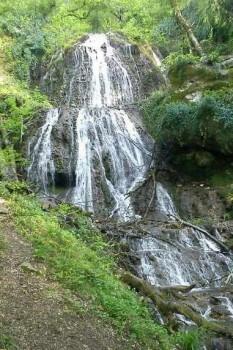 آبشار لاشو آزادشهر