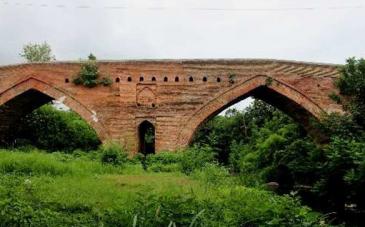 پل خشتی پاشاکی؛ زیبایِ قاجاریِ لاهیجان