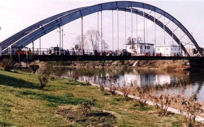 قدم زدن روی پل معلق بابلسر و اسکله قایق رانی